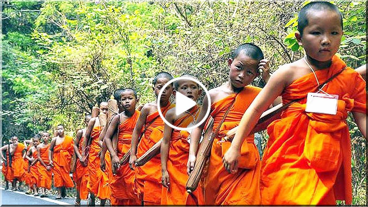 PHRA THUDONG (พระธุดงค์) - Mniši na cestách