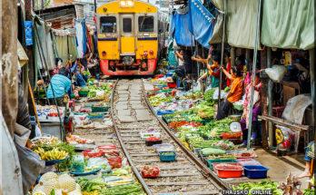 MAEKLONG RAILWAY MARKET (ตลาดร่มหุบ), Samut Songkhram